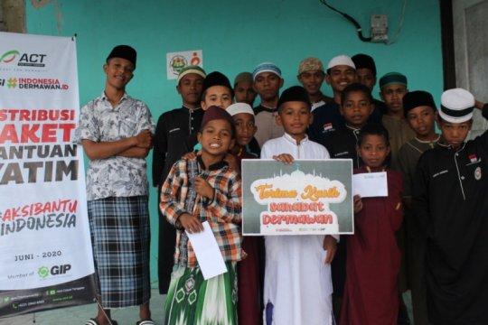Di tengah pandemi, ACT Maluku santuni 100 anak yatim-piatu di ponpes