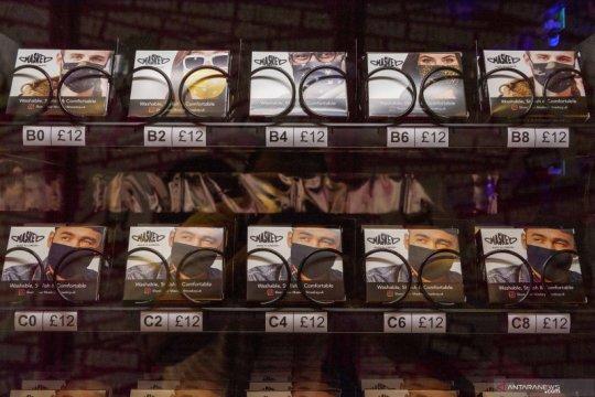 Mesin penjual masker otomatis di London