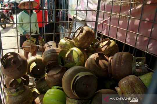 Kelangkaan gas elpiji 3kg di Mamuju