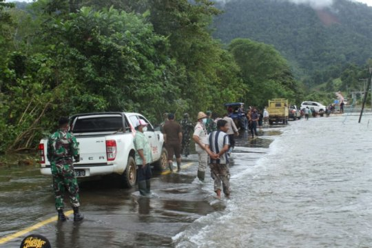 Akses jalan menuju desa terisolasi di Konawe Utara mulai terbuka