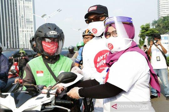 "KPK bagikan masker kepada warga, kampanye ""Pedulimu, Antikorupsimu"""