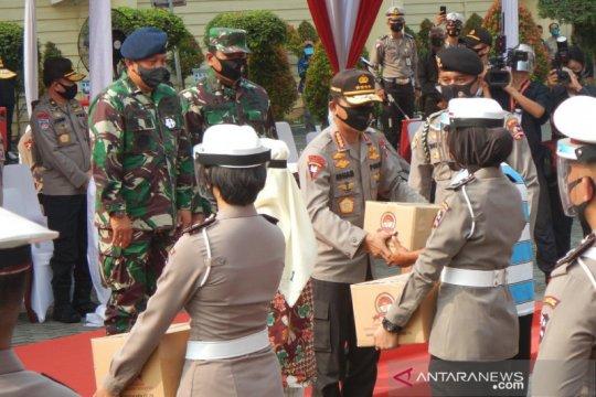 Polri-TNI distribusi 600 ribu sembako ke masyarakat terdampak pandemi