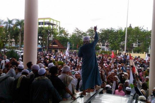 Ratusan massa demo di Kantor DPRD Kalbar tolak RUU HIP