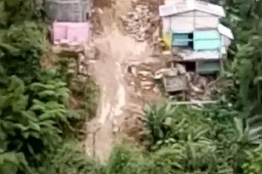 Longsor di Palopo dua rumah amblas dan jalan Palopo-Rantepao terputus