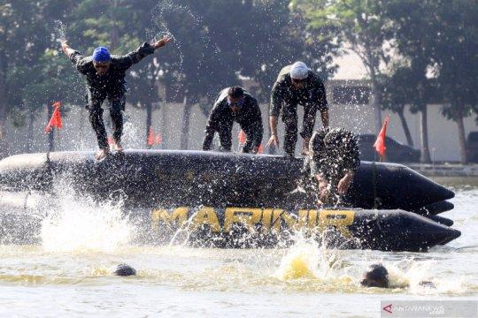 Latihan ketahanan fisik prajurit marinir