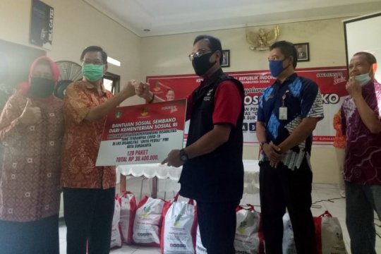 Kemensos salurkan bantuan sembako untuk warga Griya PMI Solo
