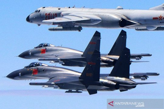 China protes pesawat militer AS lintasi zona larangan terbang