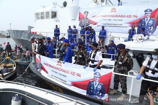 Korpolairud bagikan 2.000 sembako ke nelayan jelang HUT Bhayangkara