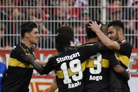 Stuttgart promosi ke Bundesliga setelah Hamburg sia-siakan peluang