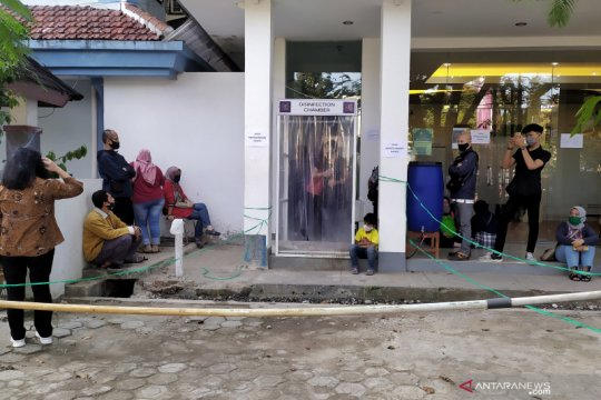 Keluhkan PPDB, puluhan orang tua siswa datangi Disdik Kota Bandung
