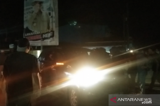 Demo tolak TKA China, massa sweeping kendaraan keluar bandara