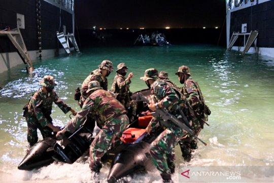 Latihan Marinir di Pulau Damar Kepulauan Seribu