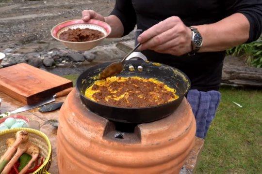Resep omelet rendang nikmat ala Gordon Ramsay