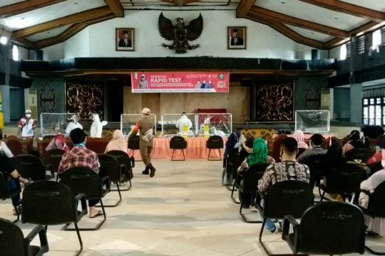 Bertolak ke Jawa ratusan pelajar di Kotim tes cepat COVID-19 gratis