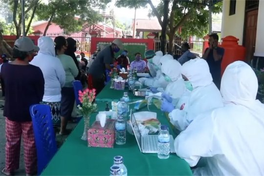 "Ribuan pedagang di Kota Jayapura jalani ""rapid test"""