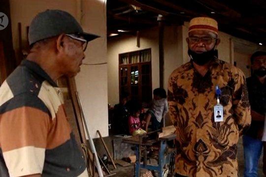 Kemenag Ternate sambangi rumah CJH beri motivasi