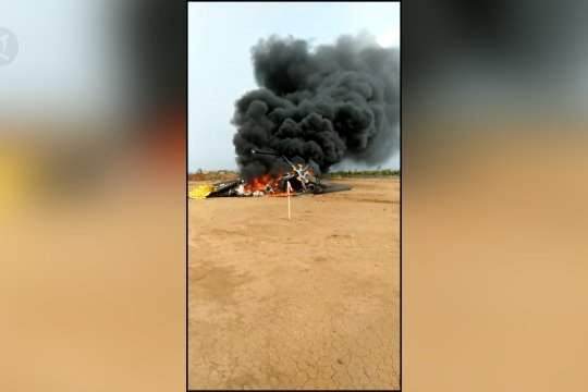 Helikopter militer jatuh di Kendal