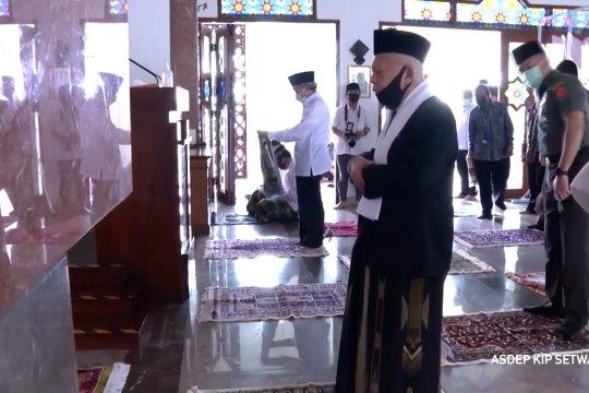 Masuki tatanan normal baru, Wapres pimpin shalat Jumat di Masjid  Baiturrahman
