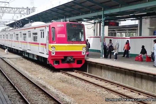 PSBB transisi, KRL angkut maksimal 74 orang per gerbong