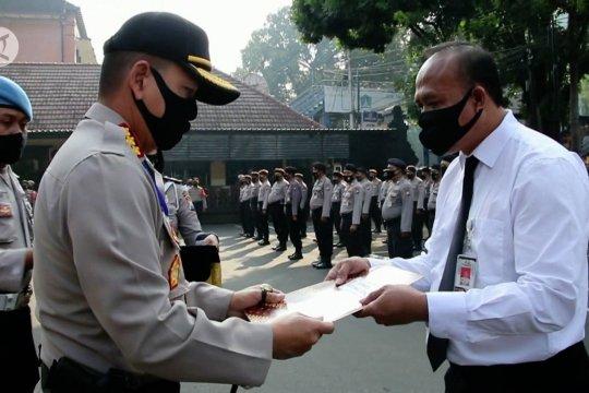 Mengenal sosok polisi pejuang COVID-19