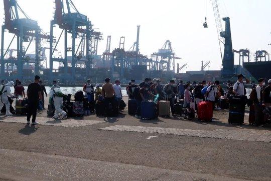 241 WNI ABK kapal MS Island Princess tiba di Tanjung Priok