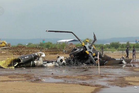 4 personil TNI meninggal dunia dalam insiden heli jatuh di Kendal