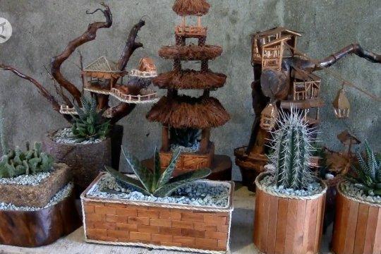 Ada rumah kaktus mini dari limbah kayu