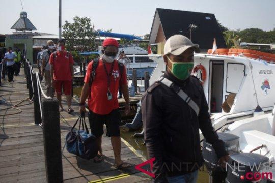 Polres Kepulauan Seribu awasi protokol kesehatan untuk wisatawan