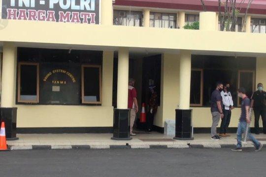 Tiga pegawai Disdukcapil Kabupaten Cirebon ditetapkan tersangka pungli
