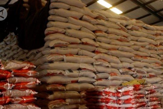 Bulog Ternate pastikan stok beras dan gula aman