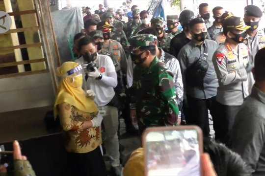 Panglima TNI dan Kapolri cek protokol kesehatan di pasar rakyat