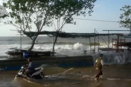 Pemkot Pekalongan tetapkan status tanggap darurat banjir