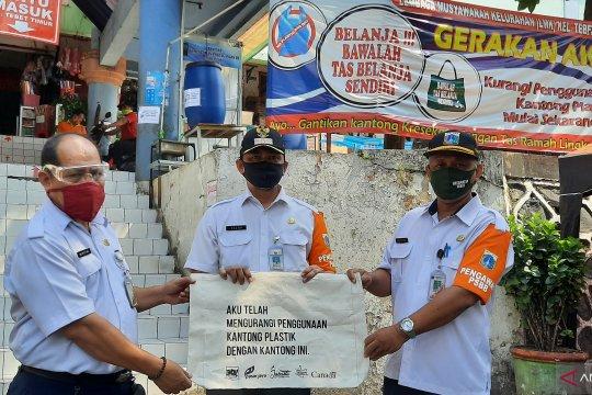 Efektivitas larangan kantong plastik DKI Jakarta dipertanyakan