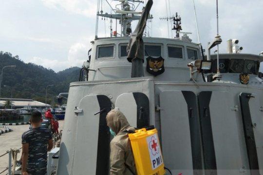 Tingkatkan kerja sama, PMI Sumbar disinfeksi fasilitas TNI dan Polri