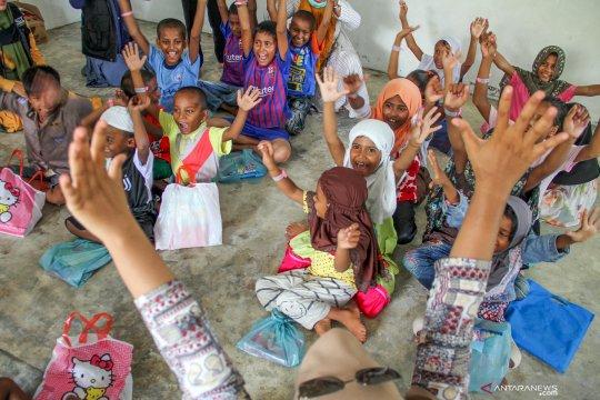 Jumat sore, pengungsi Rohingya dipindahkan ke penampungan baru