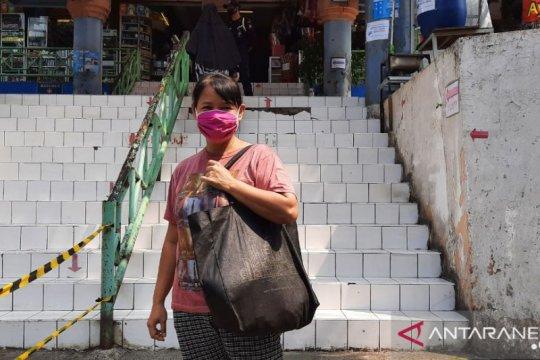 Kemarin, perpanjangan PSBB Transisi hingga larangan kantong plastik