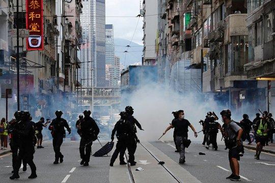 Dituduh mendukung huru-hara, raja media Hong Kong ditangkap