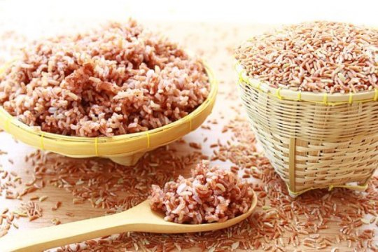 Manfaat beras merah, turunkan berat badan hingga cegah penyakit kronis