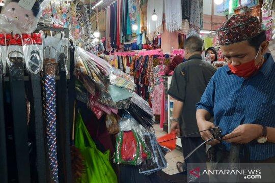 Sempat tutup tiga hari, Pasar Tomang Barat kembali dibuka