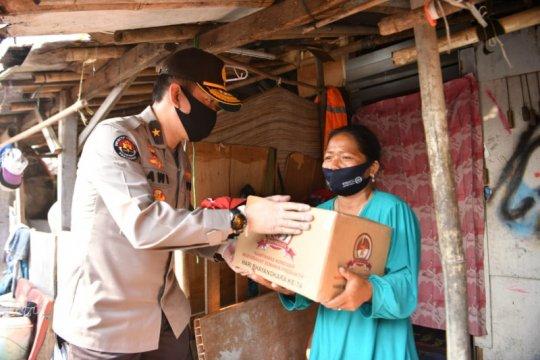 Polri salurkan 1.500 paket sembako untuk pemulung Bantar Gebang