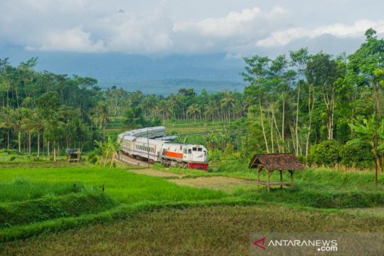 KAI Daop 9 hentikan sementara operasi KA Ranggajati