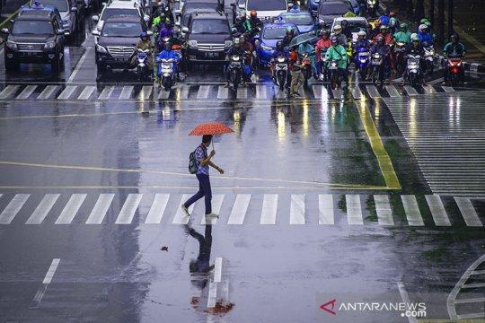 Sebagian wilayah Jakarta berpotensi hujan Jumat siang
