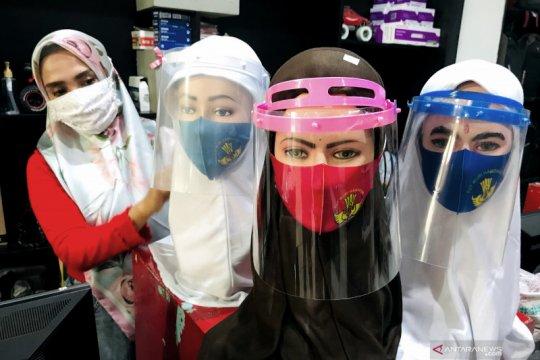 Penjualan masker khusus pelajar