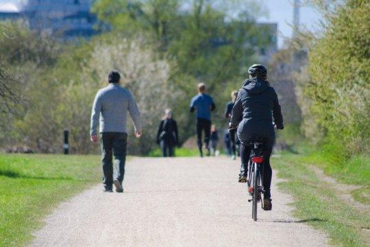Bersepeda di masa normal baru, sekedar gaya atau demi cegah COVID-19?