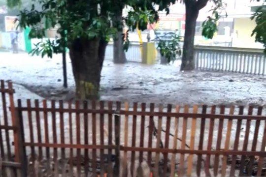 Kemarin, banjir di Gorontalo hingga skenario penanganan COVID-19