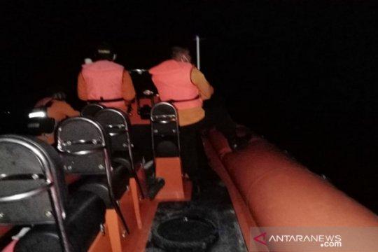 Basarnas cari tiga penumpang kapal mati mesin di perairan Wakatobi