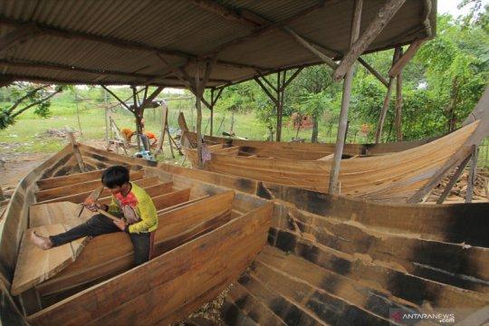 Kampung pembuat perahu tradisional