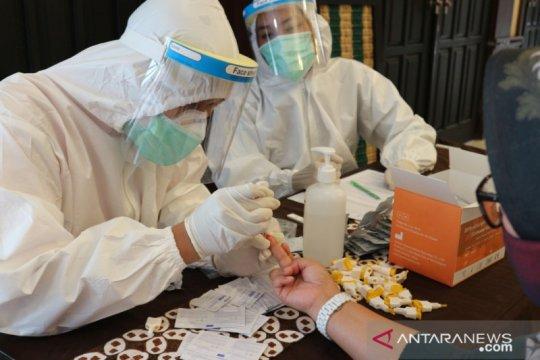 Panitia dan pengawas UTBK Universitas Brawijaya jalani rapid test