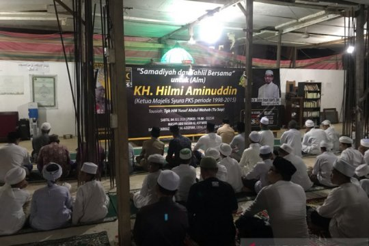 Tahlilan digelar PKS Aceh  untuk KH Hilmi Aminuddin