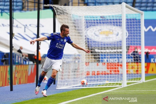 Vardy sudahi puasa gol dan antar Leicester kembali ke jalur kemenangan